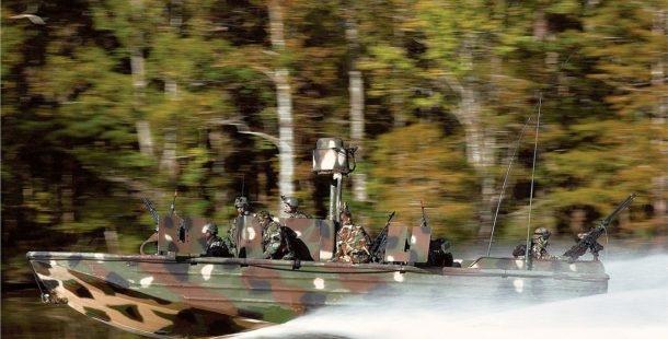 20 foto-barco-militar-1-610x310